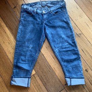 Express Jeans size 6 capris